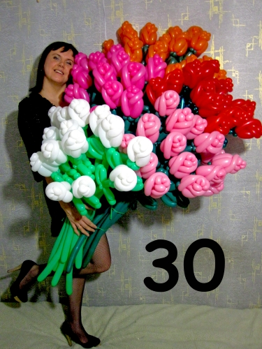 Как сделать букет из цветов из шариков